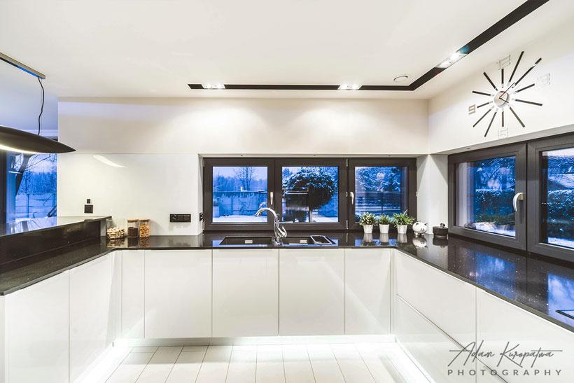 Realizacja Projektu Wnętrza Kuchni W Domu Jednorodzinnym W